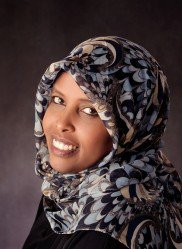 12-143-Hindia Mohamoud-reproduction rights sold for web site and local advertisement